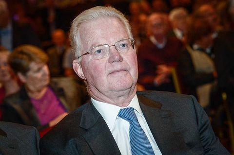 Fredrik Lundberg fyller på Handelsbanken-aktier