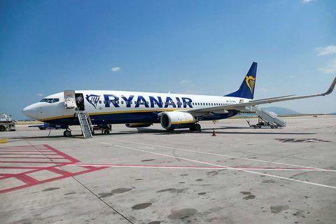 Även Ryanair drar i nödbromsen