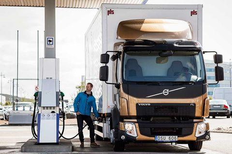 Industrivärden tankar miljontals Volvo-aktier