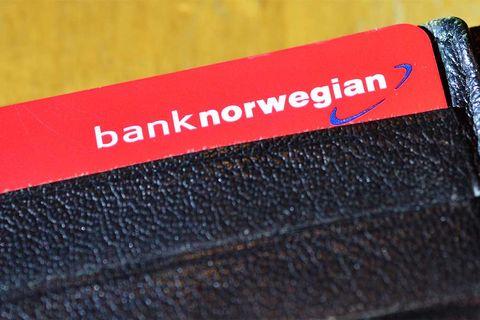 bank-norwegian-wallet-shutter
