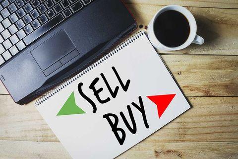 sell-buy-coffee-laptop-shutter