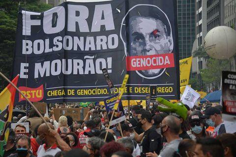 bolsonaro-protests-NELSON-ALMEIDA-afp-tt
