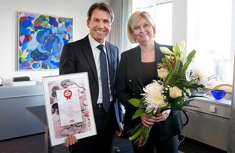 Stojko Gjurovski, chef för Danske Banks personal banking i Sverige och vd Ann Krumlinde.