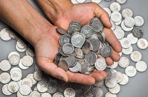 Stora värden stannar i byrålådorna i finalen i mynt- och sedelutbytet