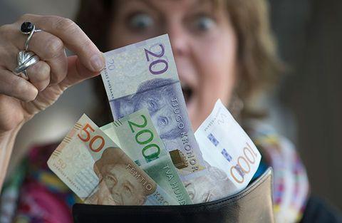 Thule öser pengar över aktieägarna